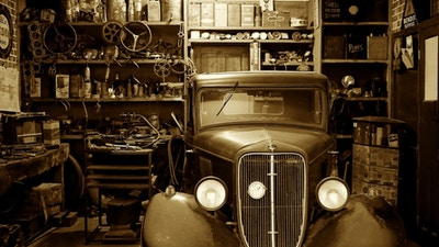 Auto Garage Tool Essentials for Your DIY