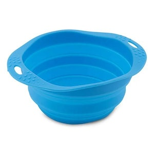 Beco Pets Travel Bowls are BPA free using silicone - Blue