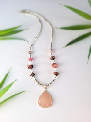 Uniqu-Lea Yours Rhodonite and Rose Quartz Necklace