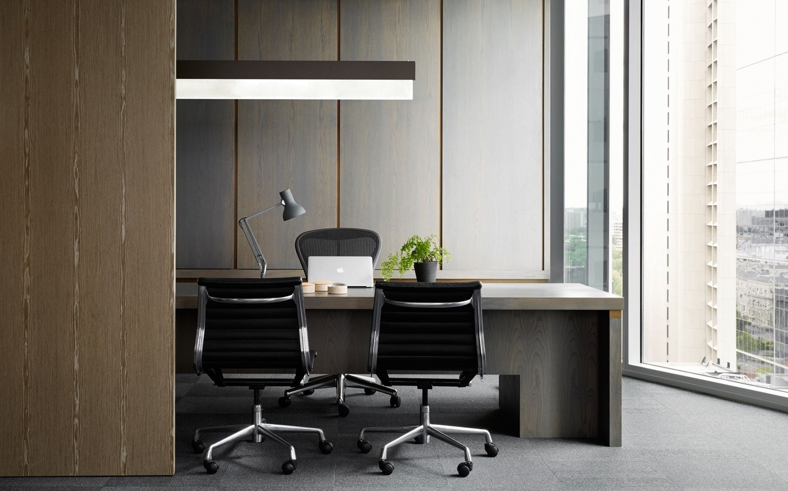 What is Ergonomic Office Furniture?