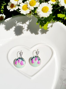 Bee's Knees Keepsake August birth month Australian native flowers 925 silver drop earrings