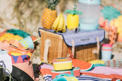 Sunnylife Beach Picnic Edit
