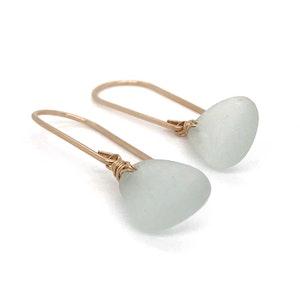 Seafoam Seaglass Earrings Short – Gold