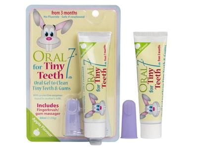 Oral 7 Tiny Teeth Oral Gel + Fingerbrush Pack