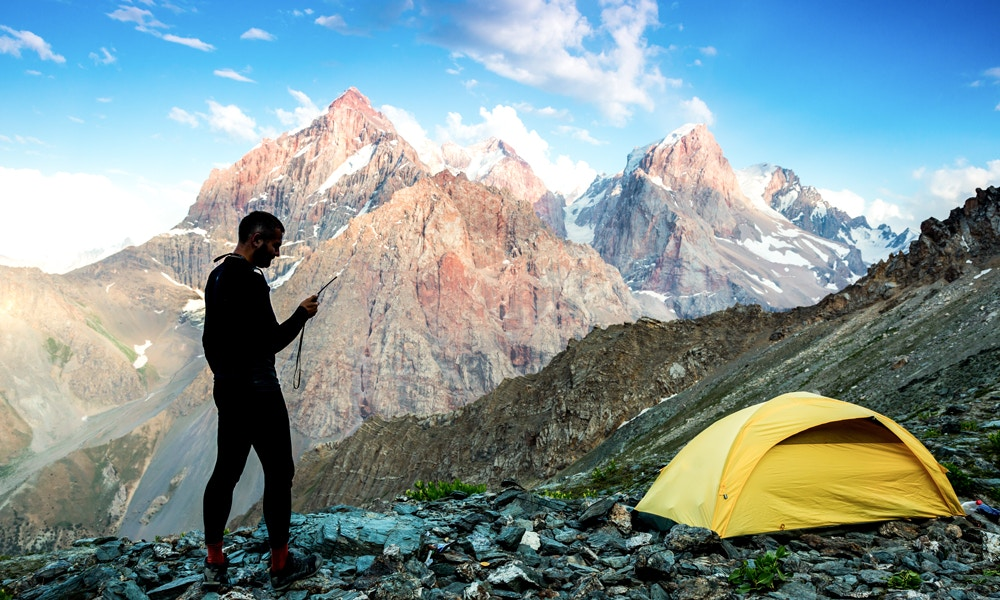 How to Choose a Satellite Phone