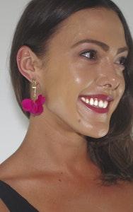 Continente Dorado Florecer Earrings- Fucsia