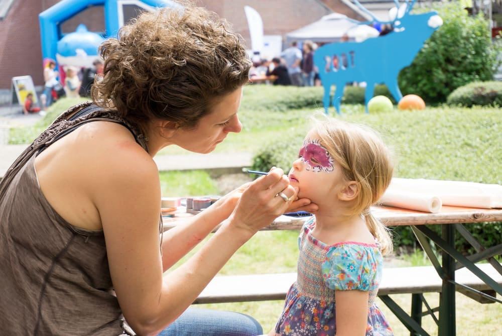 Kinderschminken als Highlight auf der Geburtstagsfeier - Tipps und Tricks
