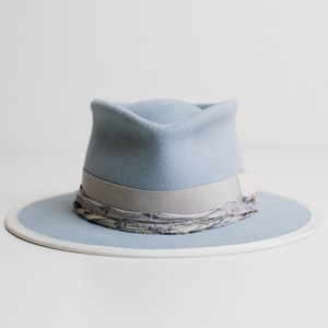 PHYLLI DESIGNS BY LAURA HALL - Strickland Hat THE ARROW