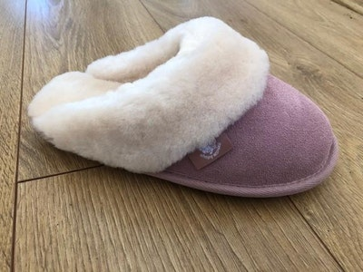 Pink slipper Australian Sheepskin-Ladies