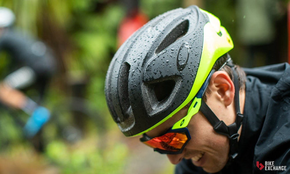 ultimate-guide-to-bicycle-helmets-hero-1-jpg