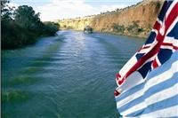 Murray locks and weirs keep attractions afloat for touring in South Australia, NSW and Victoria