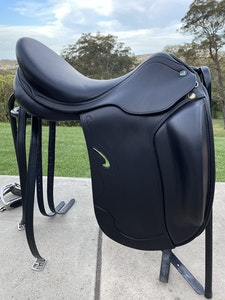 Prestige Passion K Dressage Saddle 17 inch Black