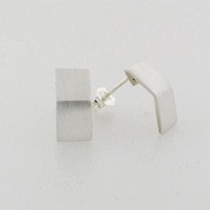 Rectangle bent earrings