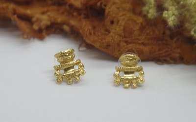 Continente Dorado Precolombian Gold earrings