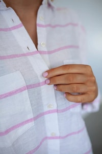 HUT - Boyfriend Linen Shirt - Pink Stripe