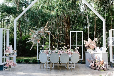 A ROMANTIC PASTEL WINTER WEDDING