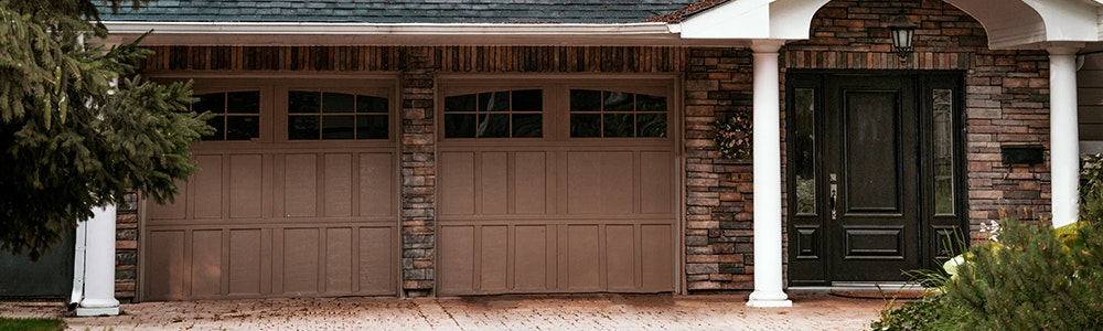 house-with-garage-jpg