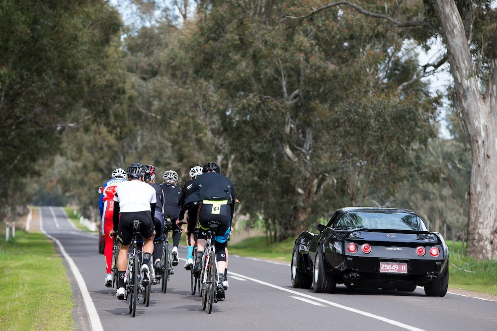group riding together in the king valley shimano event