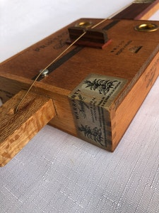 Cigar Box Guitar (Diddly Bow)