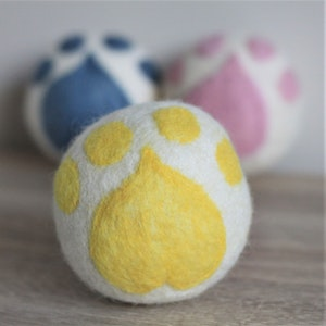 """Queenie's Pawprints Natural Wool Hand-felted Toy """"Paw Ball"""" - Yellow"""