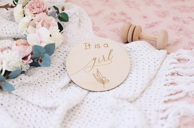 It's a Girl Wooden Announcement Disc