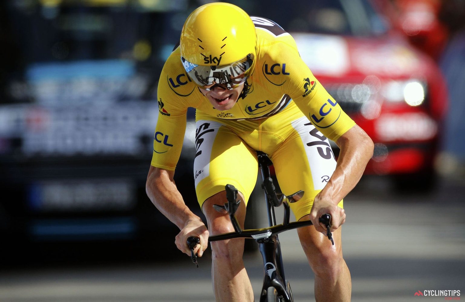 Froome beats Dumoulin to win Tour de France TT as podium battle tightens