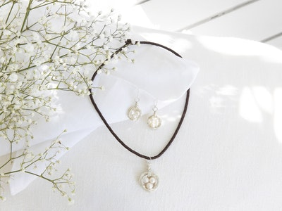 Nessie Jane Designs Nesting Time earring and necklace set