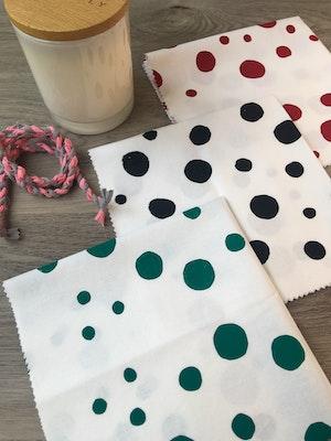 Julevidge Boomerang eco fabric gift wrap (dots design)