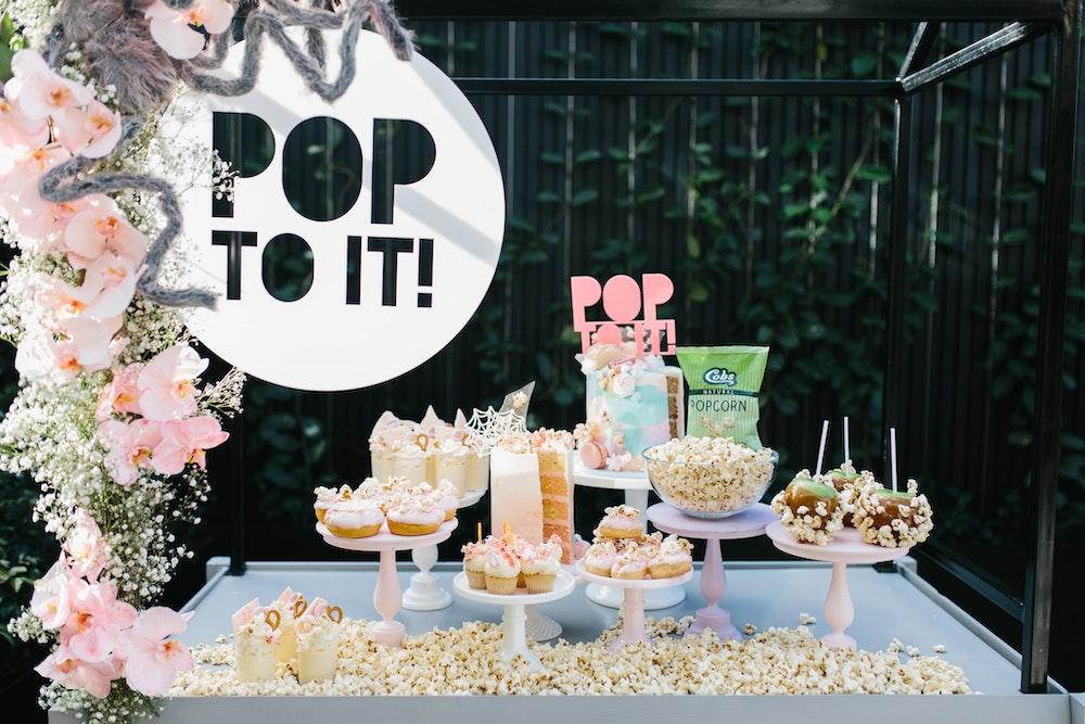 LENZO Halloween Cobbs Popcorn Bar