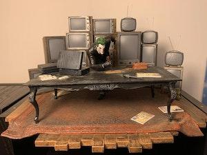 Joker with LED TV Wall - Arkham Origins