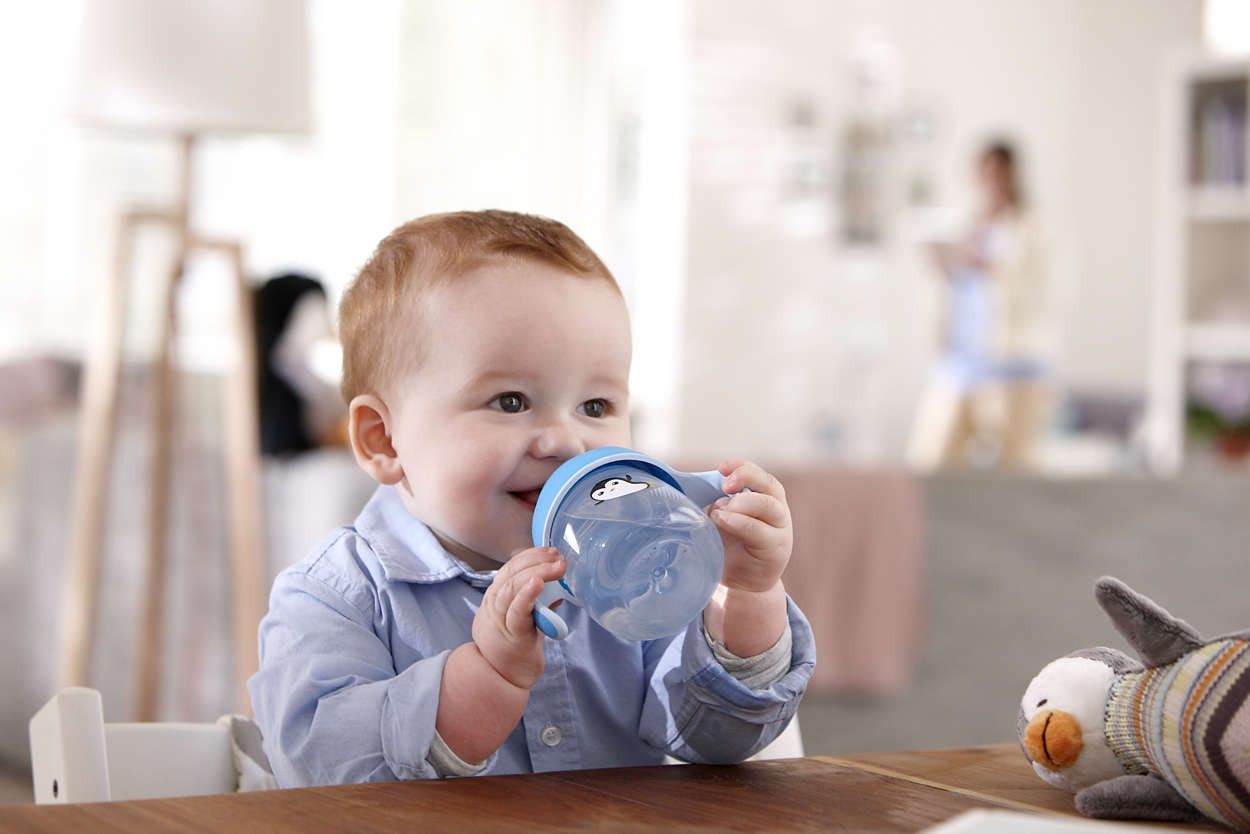 Transitioning to a Sippy cup from Breastfeeding Tips