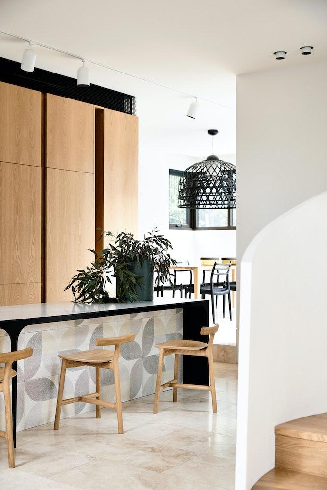 kitchen-design-trends-2018_tiled-kitchen-islands-jpg