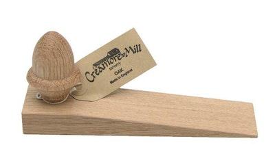 Oak door wedge with acorn