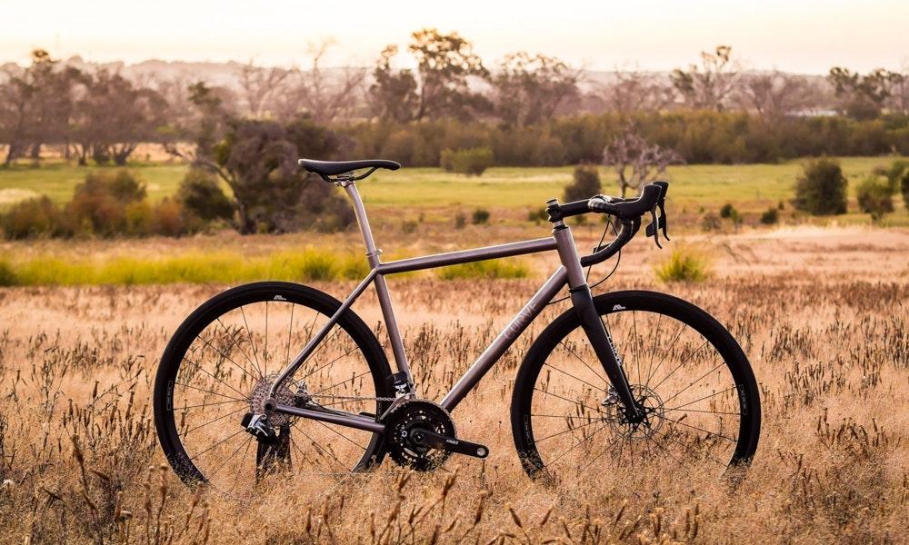 Guia-definitiva-bicicletas-ruta-marco-de-titanio