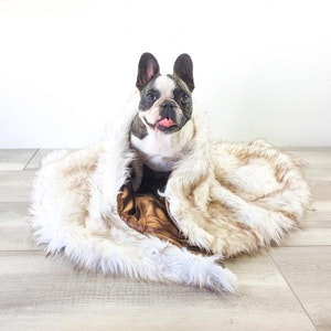 DoggyTopia L'amour Faux Fur Dog Blanket - White & Brown Fur Tips