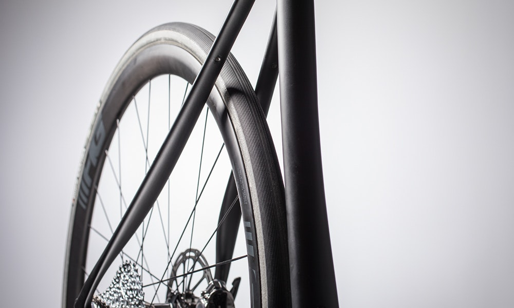 cannondale-2018-synapse-tyre-clearance-ten-things-to-know-bikeexchange-jpg
