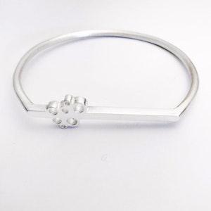 Bubble Flat line sterling silver bangle
