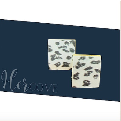 Hercove Wooden Rectangle Printed Studs