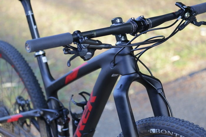 display 2015 Trek Top Fuel 9.9 bars