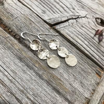 Sarah Munnings Jewellery Triple silver discs