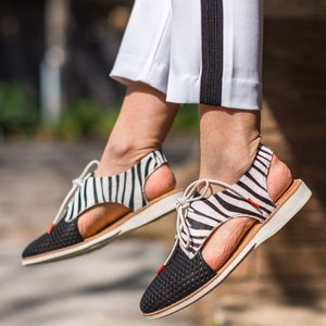 ROLLIE SLINGBACK PUNCH - Black/Zebra Pony