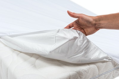 P'tit lit 2 in 1 magical cot fitted sheet (buy 1 get 1 FREE)