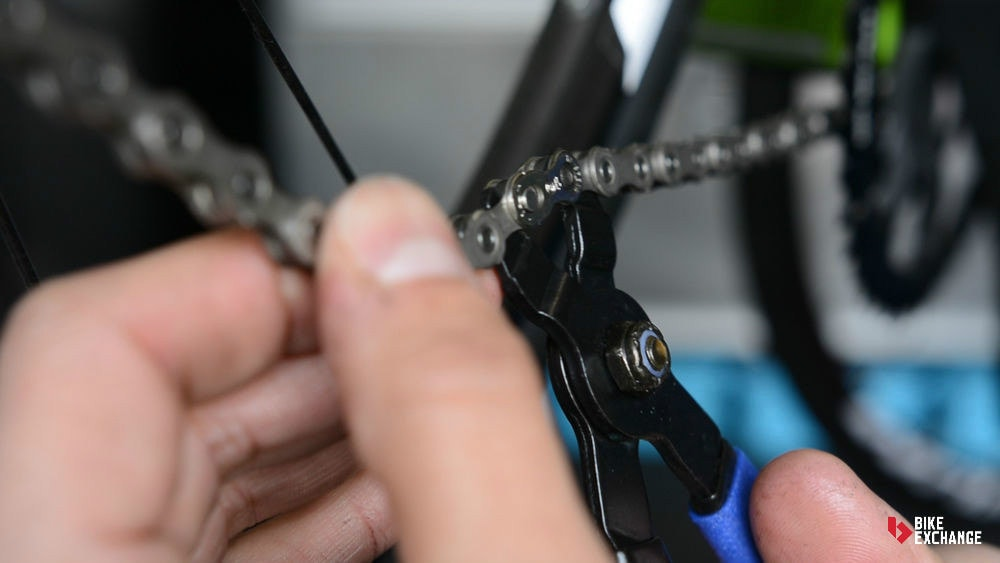 buyers guide road bike accessories maintenance