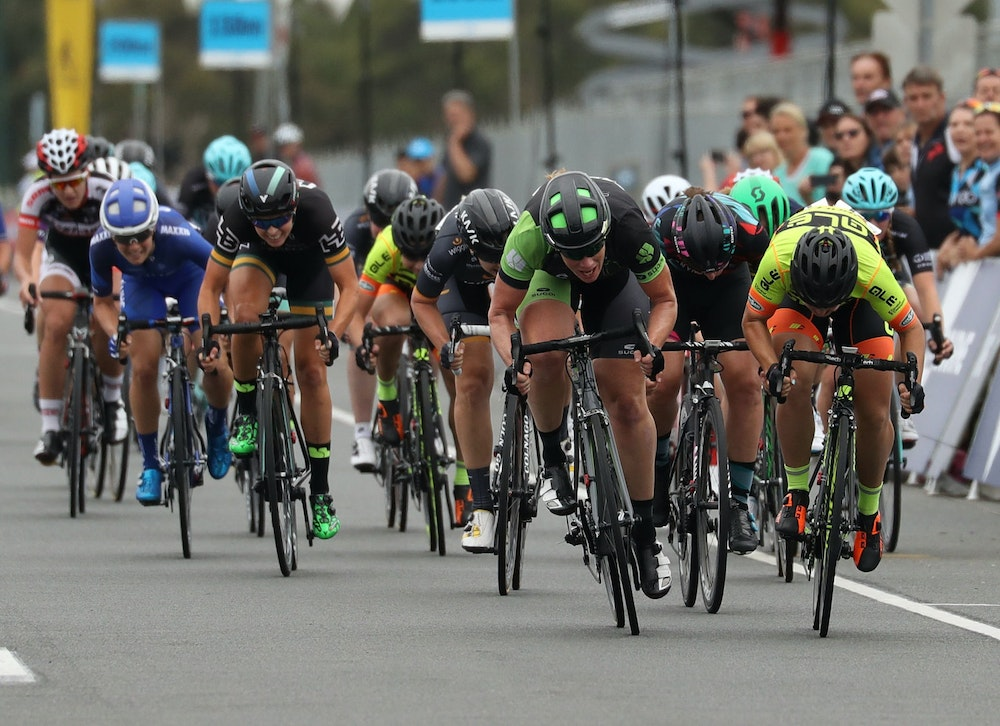 kirsten wild just pips chloe hosking in race melbourne photo finish