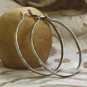 Hammered drop earrings - Silver
