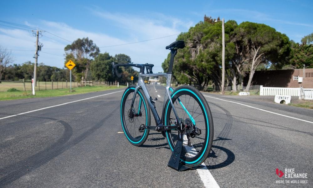 nplus-v-11-road-bike-impressions-11-jpg