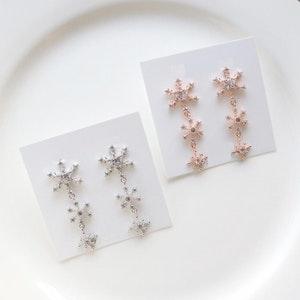 Snowflakes Drop Earrings (Handmade in Korea)