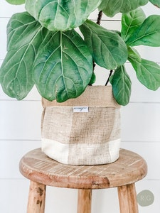 Pot Plant Cover - Chestnut Check and Hessian Reversible