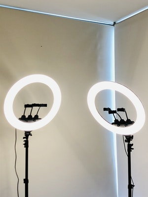 """Labellworld 22"""" 2M LED Ring Light First Week's Rent or One Week's Rent $45**"""