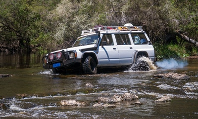 How to Perform a River Crossing in a 4WD